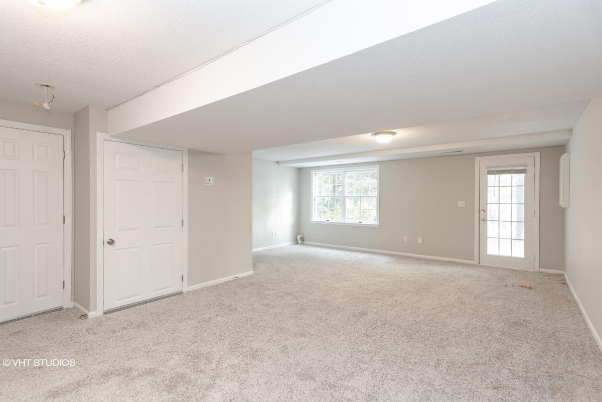 609 Holly Hill Dr, Rocky Hill, Connecticut