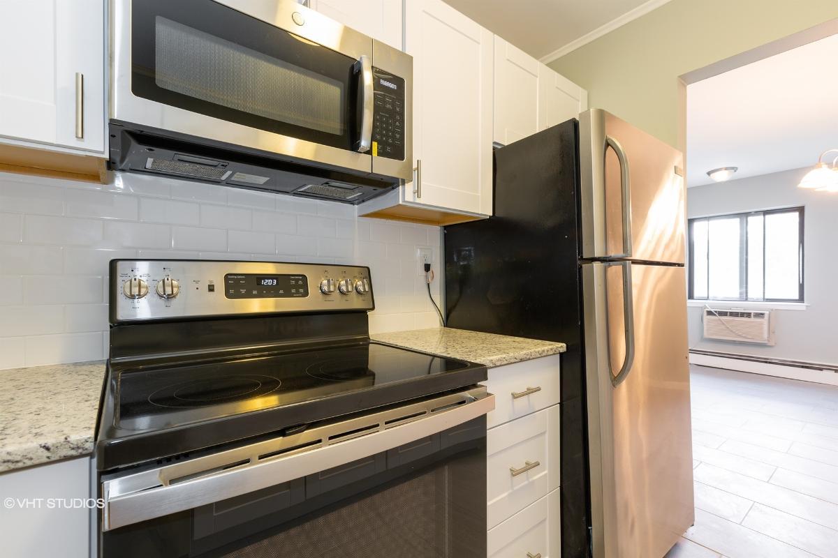 38 Richmond Blvd # 4b, Ronkonkoma, New York