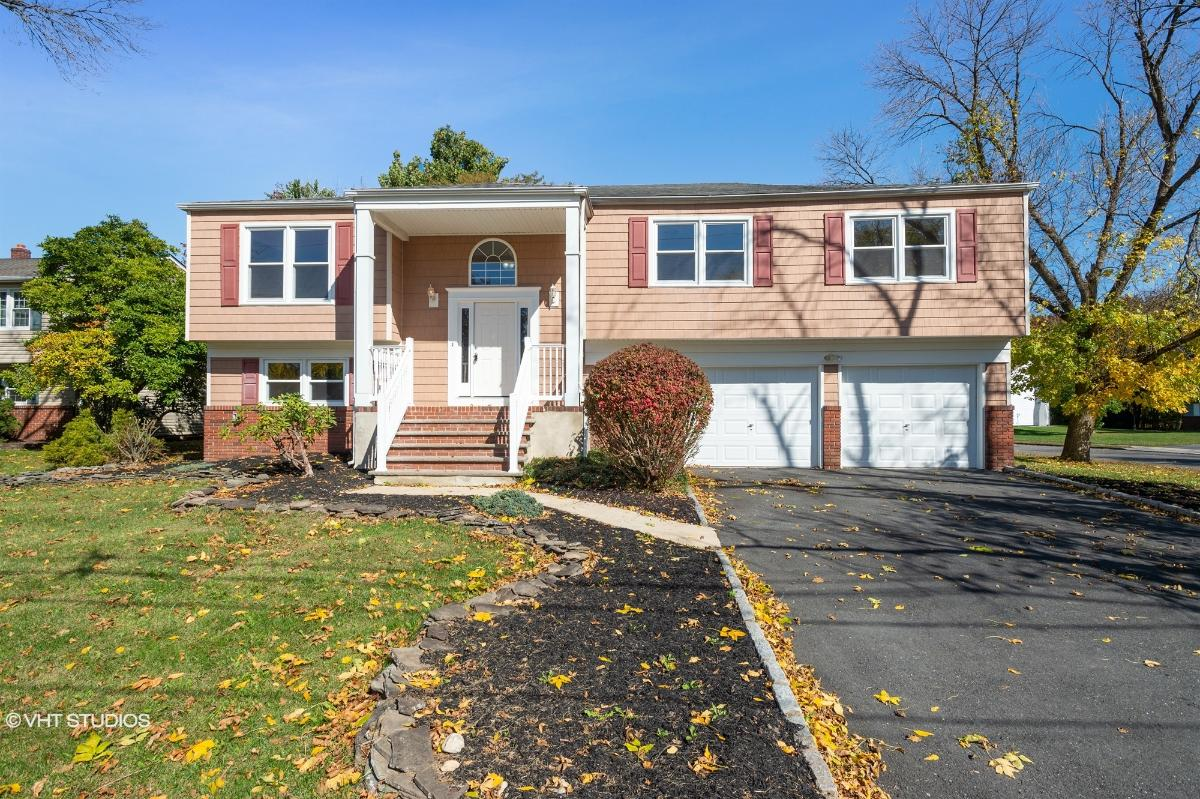 91 Oakey Dr, Kendall Park, New Jersey