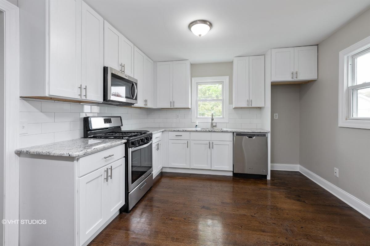 338 Neptune Ave, Beachwood, New Jersey