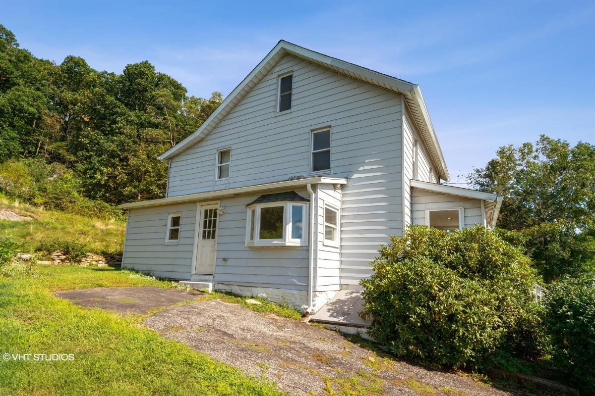 11 Buddington Road, Shelton, Connecticut