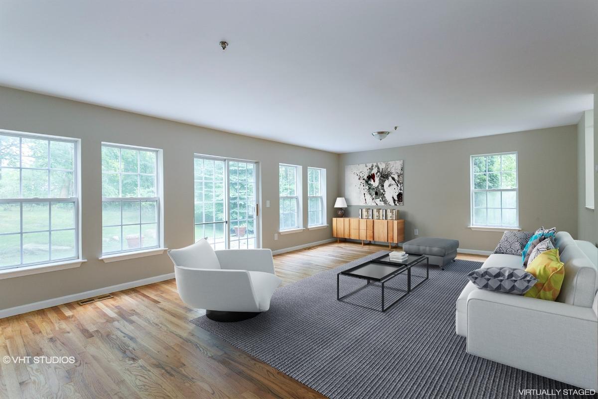 246 Maple Brook Ct, Yorktown Heights, New York