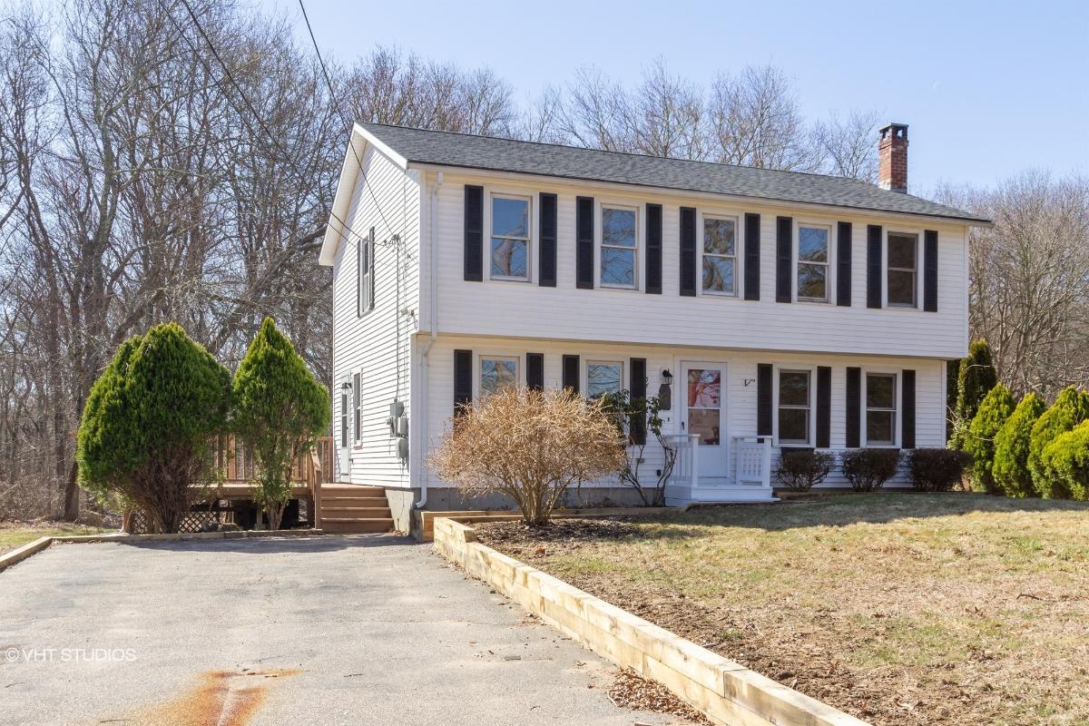 54 Woody Hill Rd, Westerly, Rhode Island