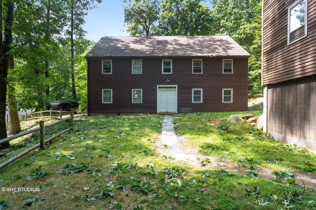 239 Old Farms Rd 17d, Avon, Connecticut