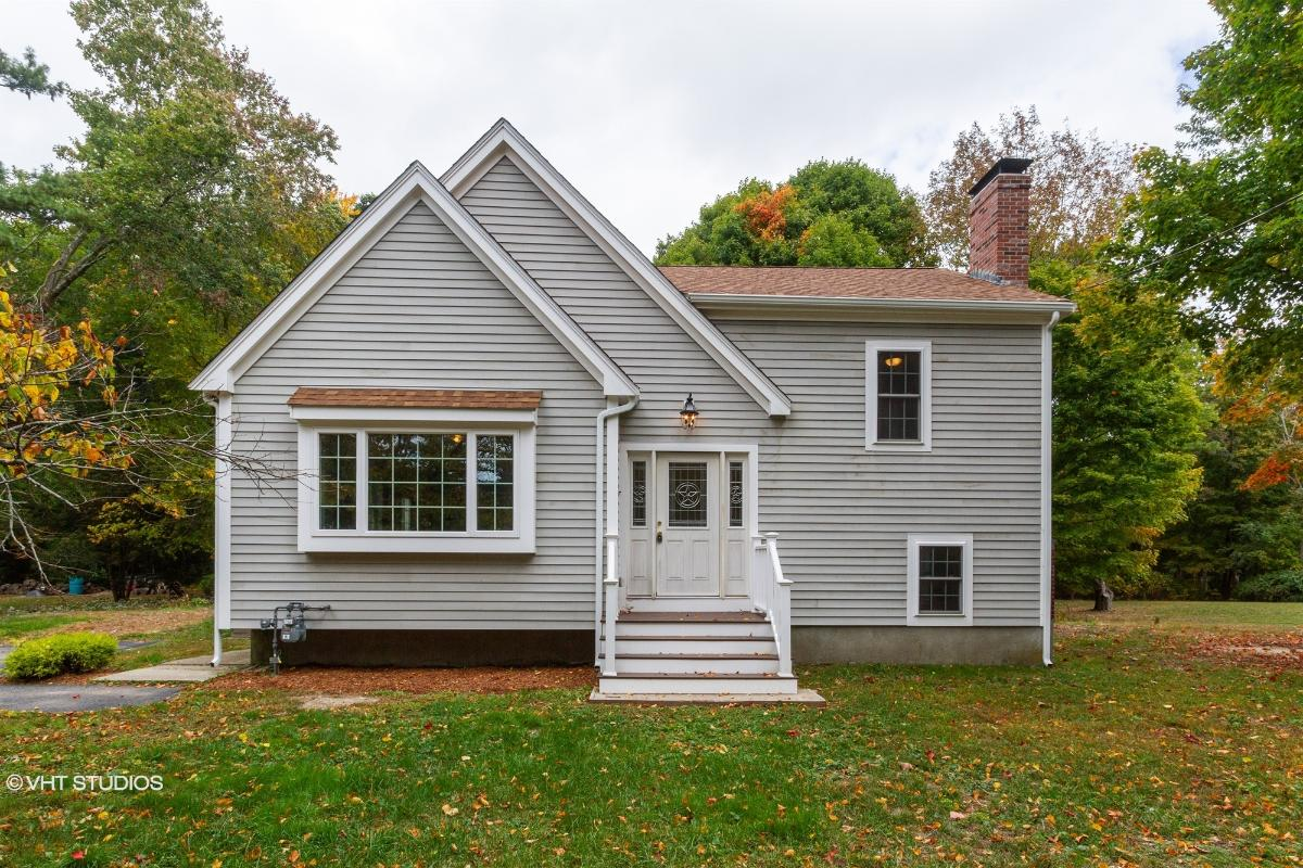 78 S Grove St, Foxboro, Massachusetts