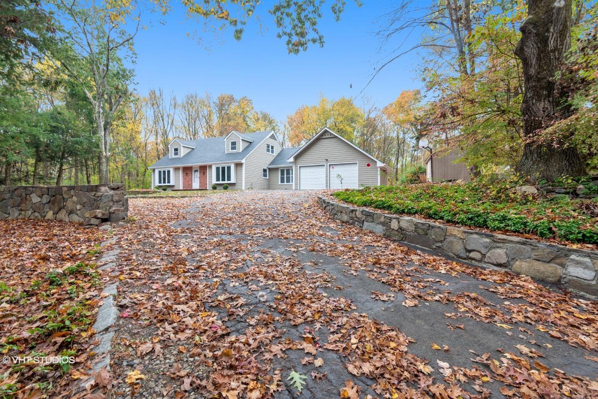 92 Blueberry Hill Rd, Bridgewater, Connecticut