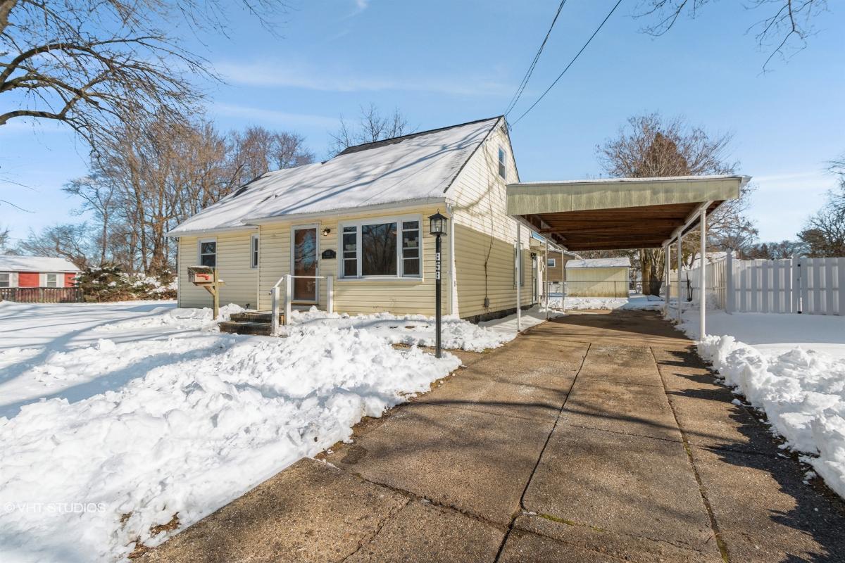 858 Van Rossum Ave, Edgewater Park, New Jersey
