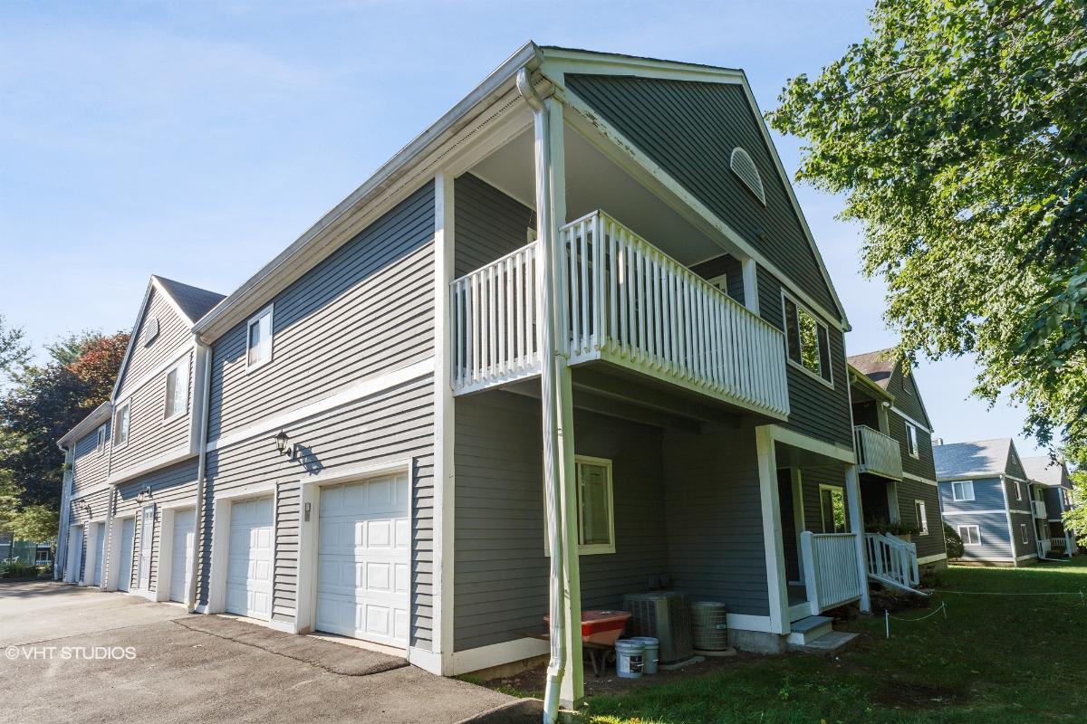 204e Windgate Cir, Monroe, Connecticut