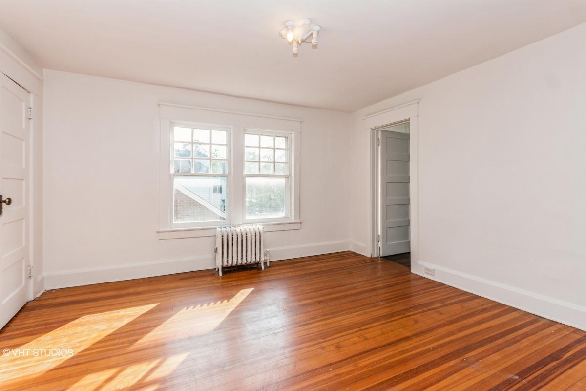 371 Albany Ave, Kingston, New York
