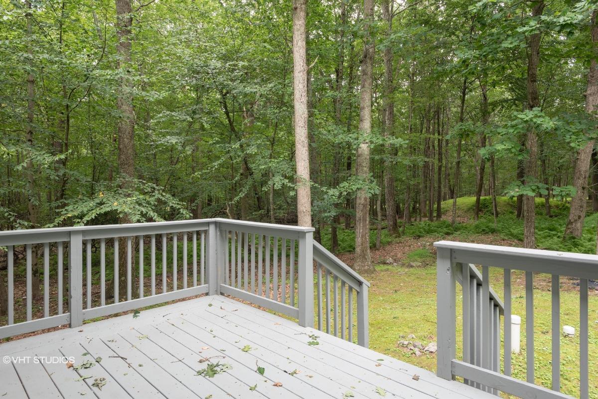 1164 Wood Thrush Cir, Bushkill, Pennsylvania