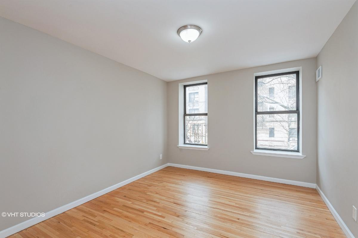 581 Academy St Apt 1a, New York, New York