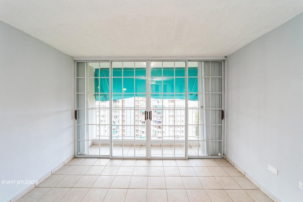 Mansiones Los Caobos Apt 11 C, Guaynabo, Puerto Rico