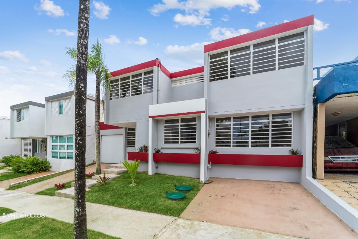3v Calle Calabura Santa Clara, San Juan, Puerto Rico