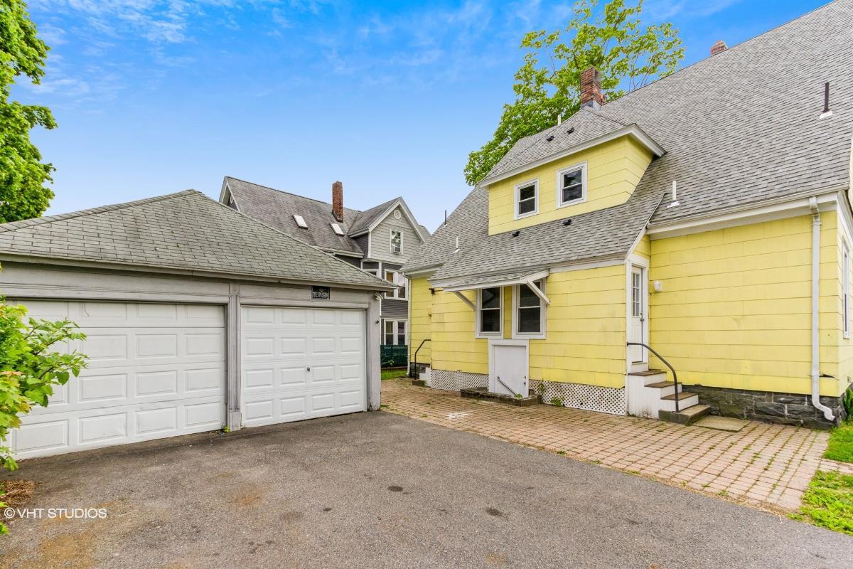 24 Newcomb Pl, Taunton, Massachusetts