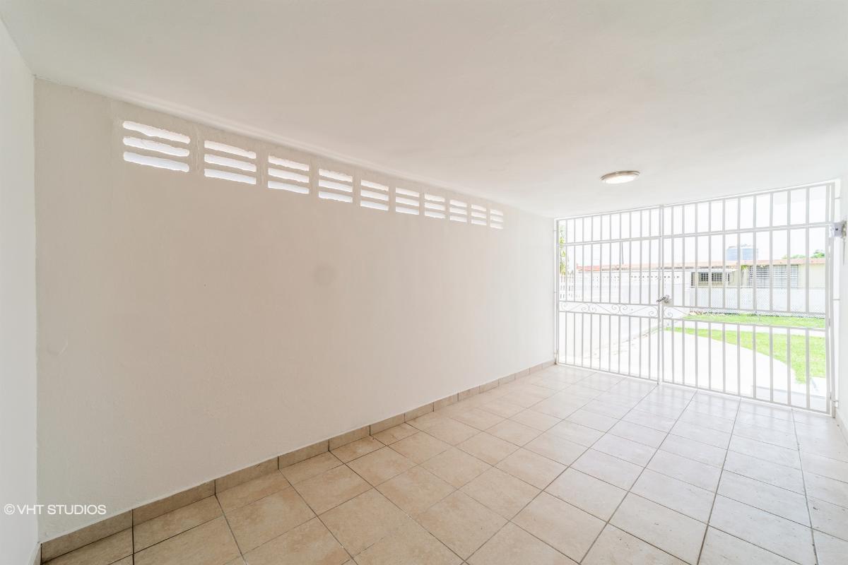 Villa Carolina Dev Blq 139 19 404 St, Carolina, Puerto Rico